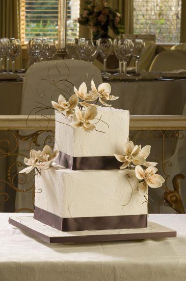 Elegant Wedding Cakes | sleek and elegant wedding cakes