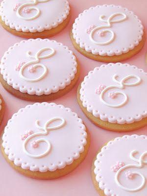 Nice monogram cookies (Sabores da gula).