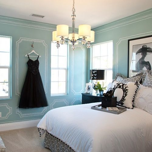 beautiful #tiffany colored walls in a #classy and #elegant #bedroom