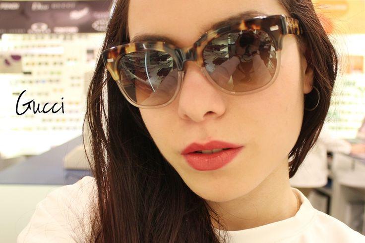 Os óculos de sol Gucci chegam com uma cartela de cores e estampas modernas e cheias de jovialidade. Venha conhecer a coleção: www.oticaswanny.com #cliquenaimagem #gucci #catalogo #online #compreonline #lojavirtual #oticaswanny #oculosdesol #vemprawanny