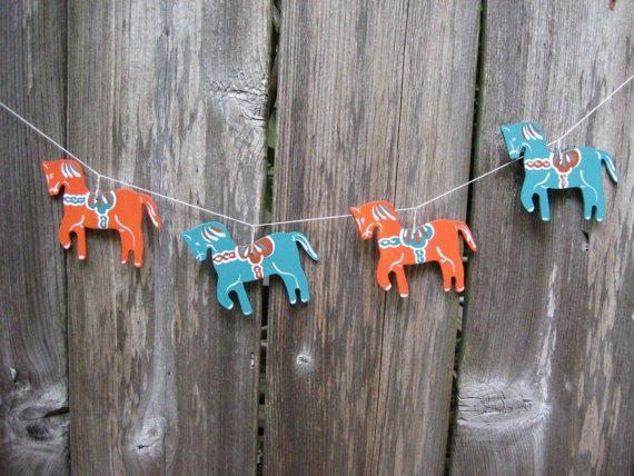 Wooden Handpainted Dale Horse Ornaments / Garland / Banner /