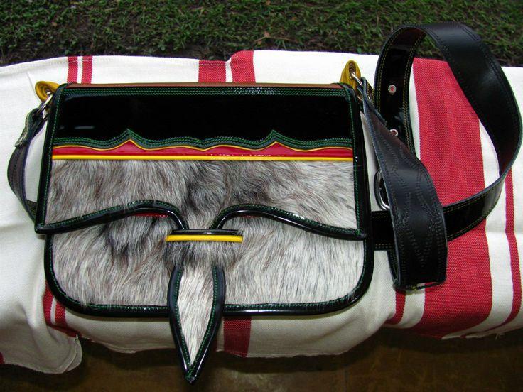 Ruana Colombiana | Colombia Multicolor Y Multicultural: El Carriel Paisa