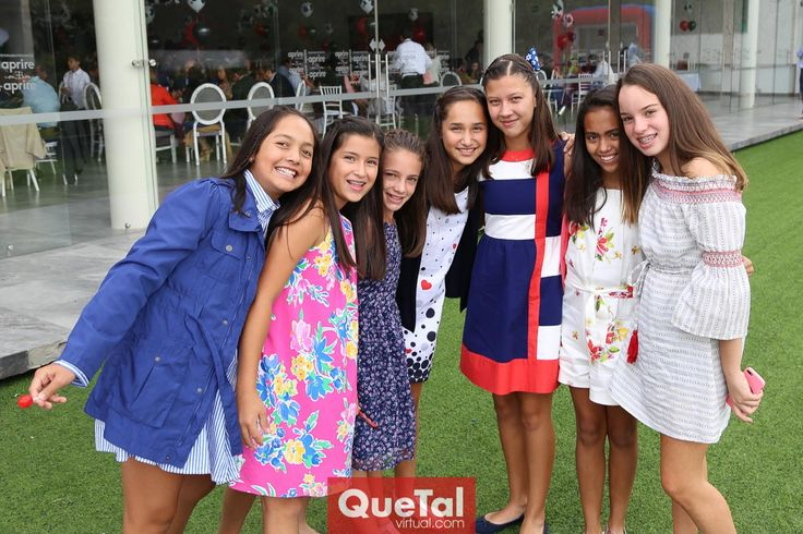 Natalia, Camila, Fer , Vero, Sofi, Pili y Marijó  .