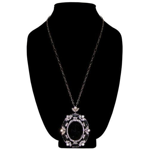 Stunning! Vintage Look Large Acrylic Stone Pendant Necklace, with Glass Stones And Rhinestones Plus Stud Earrings, In Black with Burnished Silver Finish . $20.99