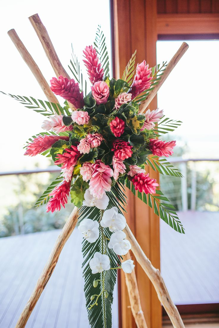 fiji wedding ceremony - pink gingers - red gigglers - white orchid - wedding arch - palm leaves - fiji wedding flowers