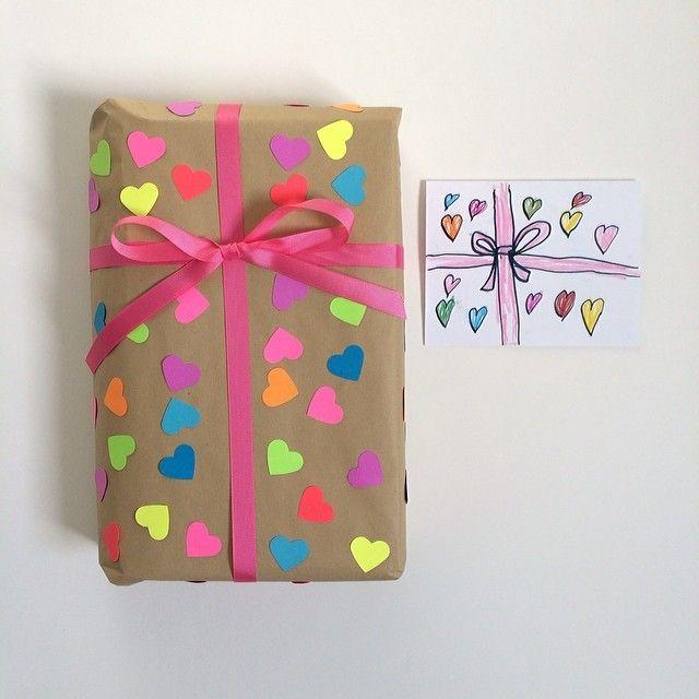 Bambini Fatto la Loro Carta da Imballaggio e Apparentemente la Carta di compleanno dovuto corrispondere kraftpaper # # # regalo Agli neon