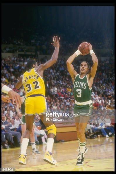 Fotografia de notícias : Guard Dennis Johnson of the Boston Celtics looks...