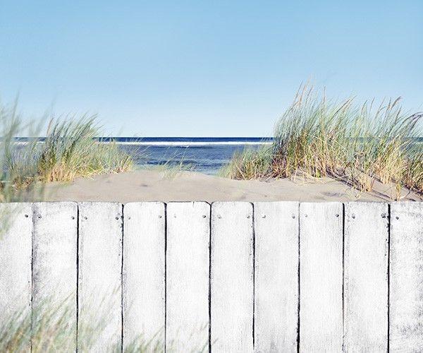 Vlies fotobehang Houten hek op strand | Muurmode.nl