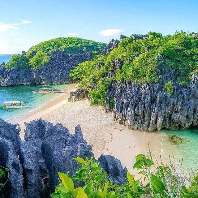 Lahos Island, Caramoan, Philippines ---  Photo by @kjagutierrez --- #Caramoan #Philippines
