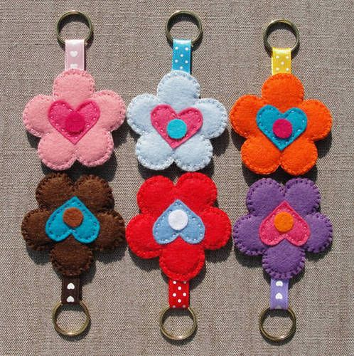 Felt Flower Keychains - with TUTORIAL - MISCELLANEOUS TOPICS