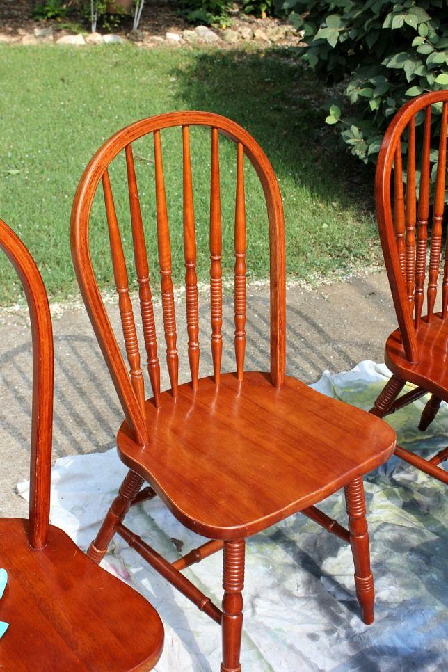 25 best ideas about painting kitchen chairs on pinterest for Painted kitchen chairs