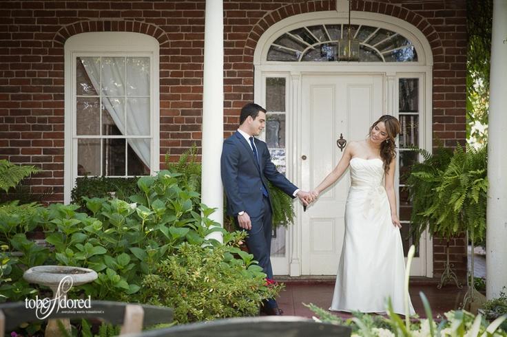 tobeadored san jose wedding photographer bride and groom first look at the Heirloom Inn, Ione