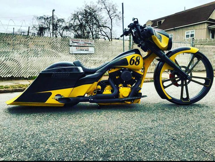 """Super Bee inspired Street Glide by @backyardbaggers #baggermilitia #militiaindustries"""
