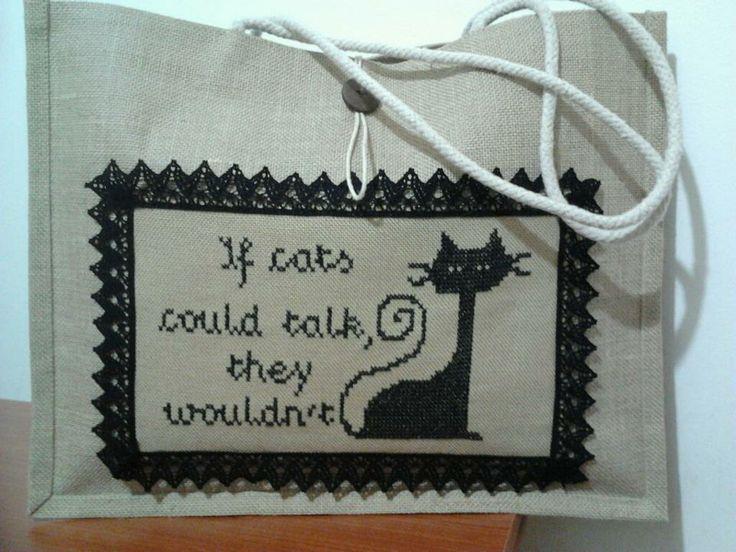 """If cats could talk, they wouldn't""    borsa in juta con applicazione ricamata"