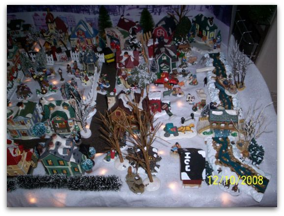 HO Scale Christmas Train Village | ... it is great to see the Christmas spirit alive and well in your house