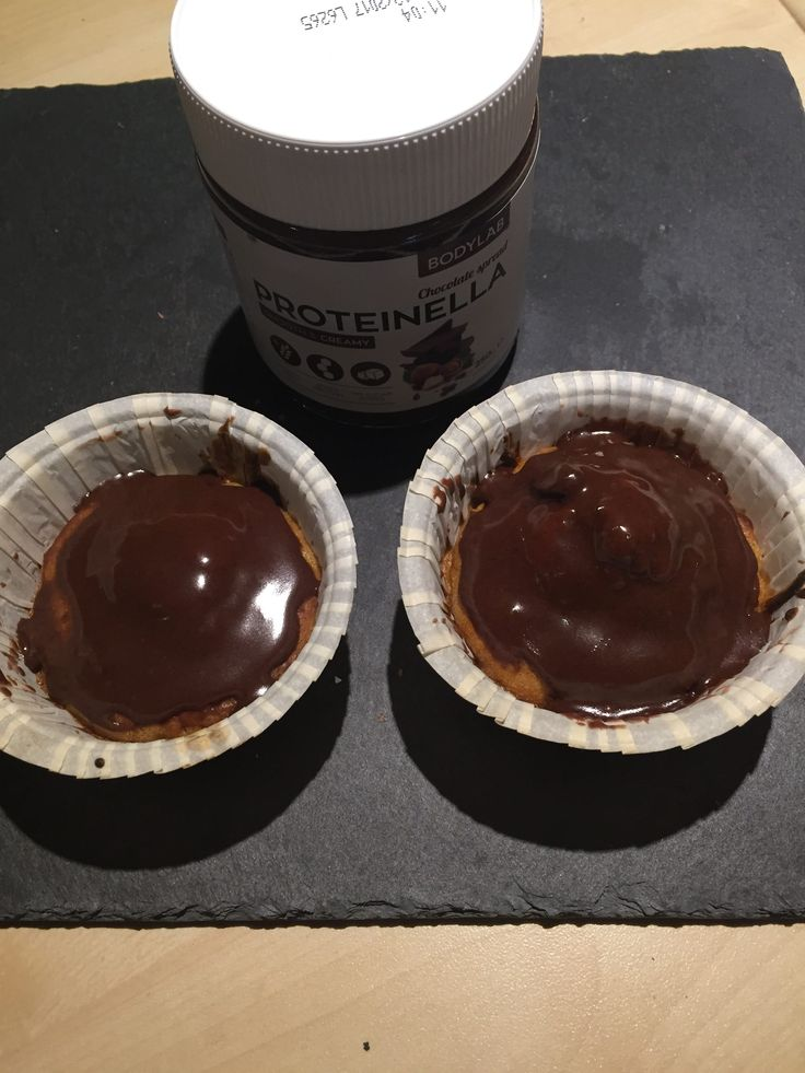 Gulerodsmuffins med protinella, frem for den fede flødeosteglasur. Dejlige lækkere og svampet med en let krydret smag fra kanel.