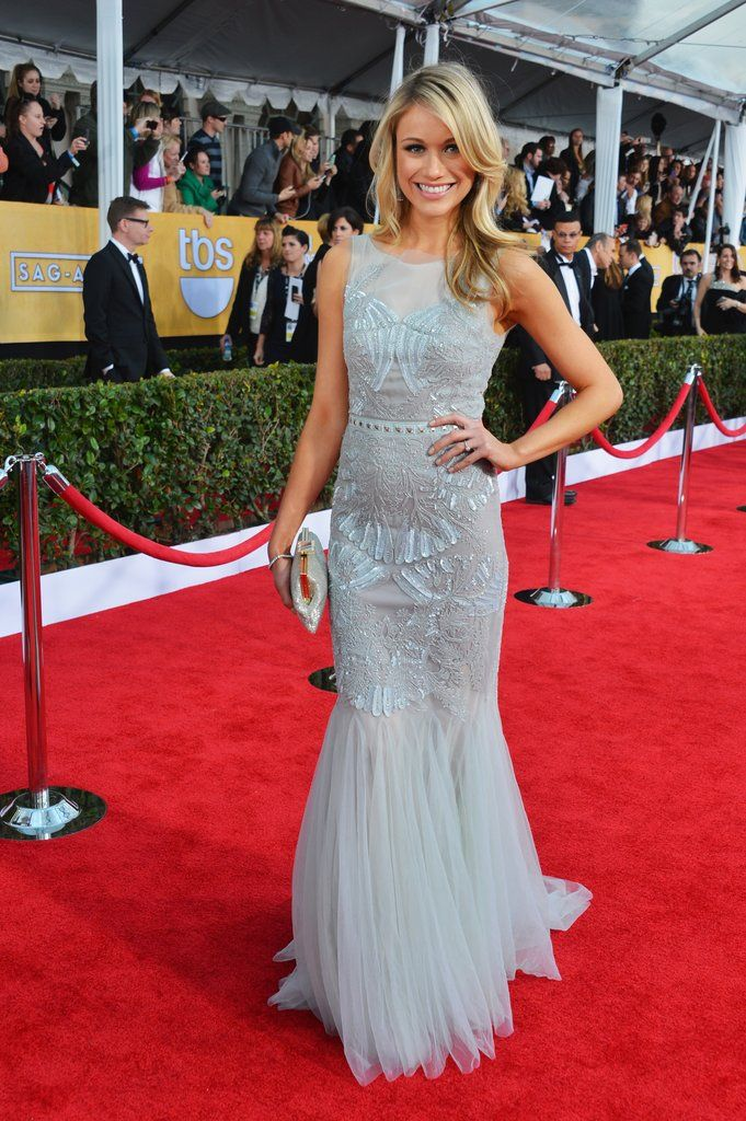 Katrina Bowden stunned in a structured icy blue Badgley Mischka confection with perfect curls and au natural make-up. #SAGAwards