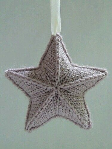 Knitted star pattern