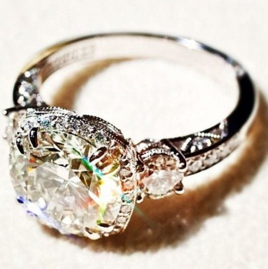 Vintage wedding ring..the bigger, the better. My girls: please take notes, so my future hubby knows what to get!