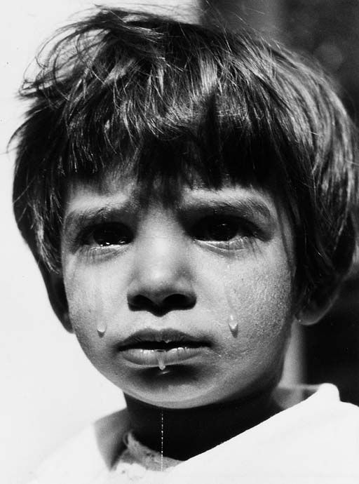 Werner Bischof, Crying Child, Hungary, 1947