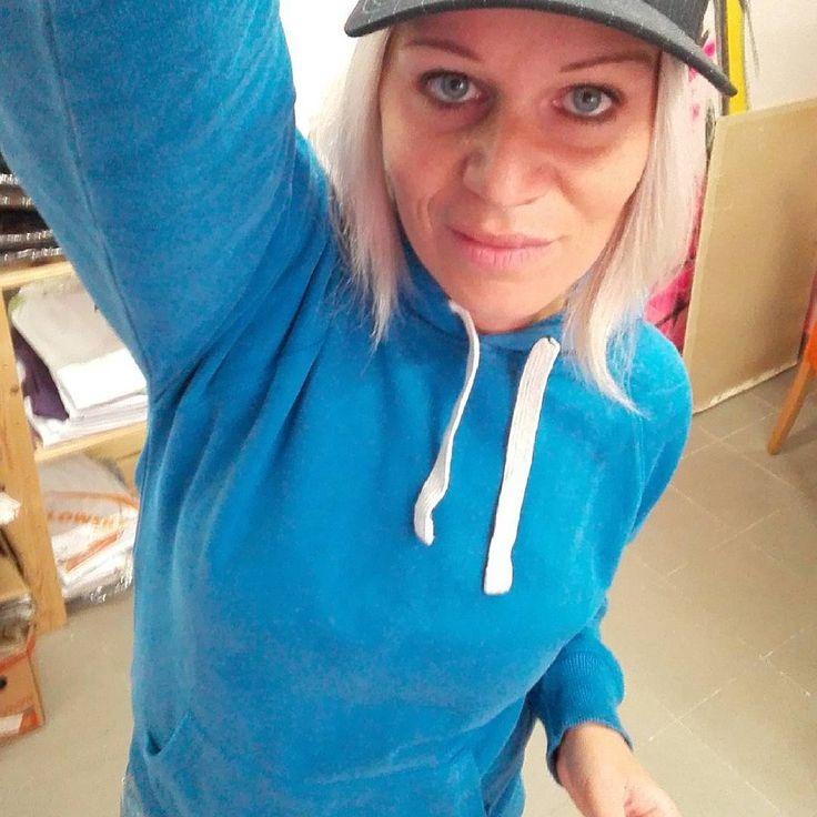 Úžasná dámská mikina. Na omak neskutečně hladká.   http://www.pextex.cz/damske-obleceni/damske-mikiny/damska-mikina-s-kapuci-mantis-superstar.html