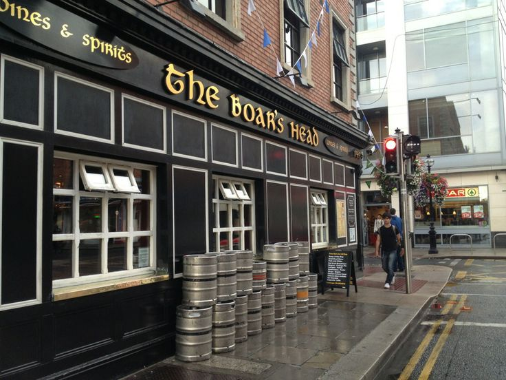 WARNING: Series 1 spoiler relating to this pub. Skip to next if you don't want to be disappointed.- Here you have a drink in honour of the pig/boar that slayed Robert Baratheon. http://publin.ie/2011/boars-head/