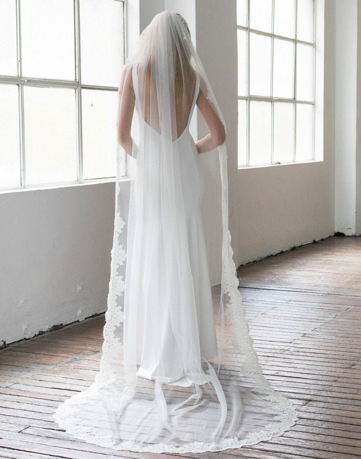 Elle + Adhira X Daphne Newman: Amelie Lace-Trimmed Veil
