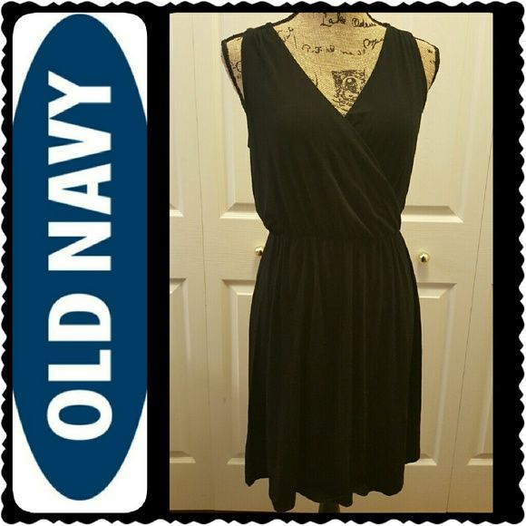 Old Navy Black Dress NWOT, Old Navy Sleeveles Basic Black Dress, Gartered Waist, Rayon Spandex Material, Petite Sized in Small, New Old Navy Dresses