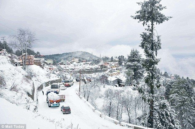 Himachal Pradesh Welcomes Its First Snowfall Of The Season  >>> On Saturday, mild snowfall was witnessed in the #Dhaulandhar ranges of #Kangra district and rain in the other adjoining areas. This broke the dry atmosphere of #Himachal Pradesh where the mercury dipped marginally. With a marginal drop in mercury, the sky stayed overcast in the mid hills which included the state capital #Shimla, further experiencing rain shower.