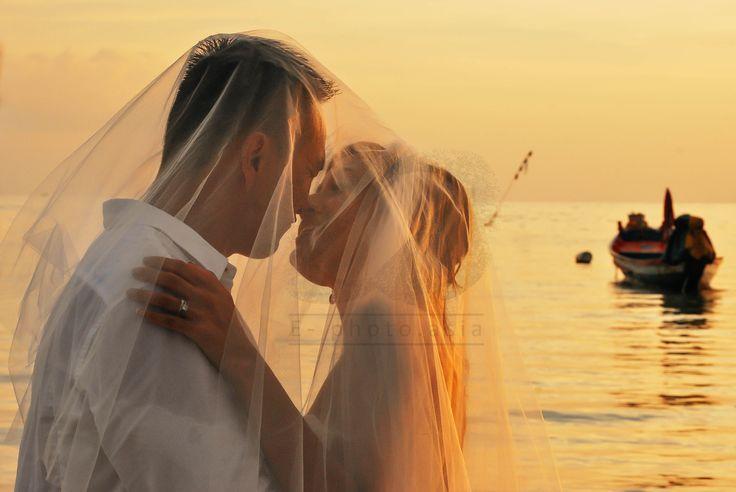 E-Photo, a photography service in Phuket.  #weddingphuket #weddingphotography #photographyphuket #phuketweddings #beachweddingsphuket #beachweddings