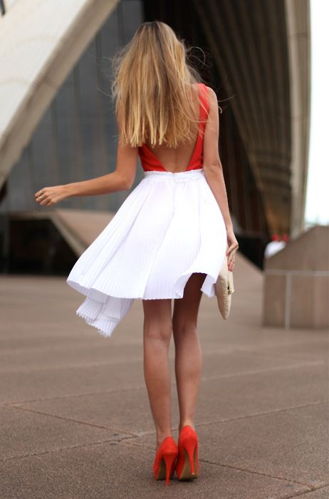 Colors Combos, Fashion, Red, Skirts, Style, Backless Dresses, Outfit, Bright Colors, Open Back