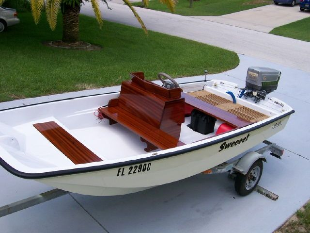 Best 25 boston whaler ideas on pinterest boston whaler boats boats and fishing boats - Boston whaler console parts ...