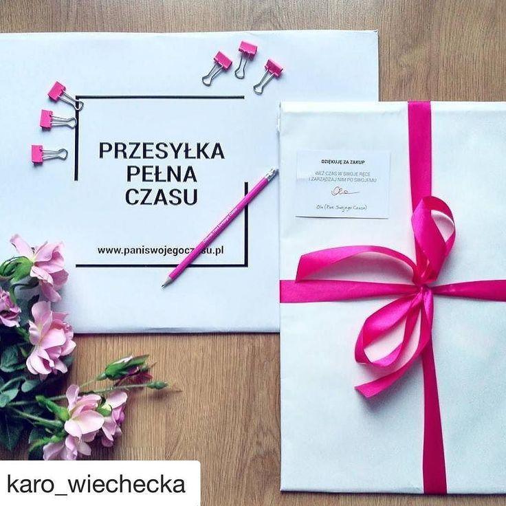 Kalendarze Pani Swojego Czasu są tak pięknie zapakowane że aż nie ma się ich ochoty otwierać  Ten na zdjęciu należy do @karo_wiechecka - mam nadzieję że sprawuje się idealnie i pomaga w planowaniu. Dziś ostatni dzień wyprzedaży kalendarza!!! #psc #paniswojegoczasu #motywacja #kalendarz #kalendarzpsc #kalendarzpaniswojegoczasu #organizacja #planowanie #planer #planner #plannergirl #plannerlove #czas #time #gift