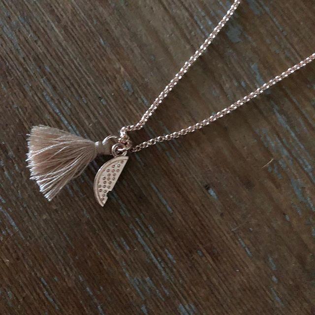 Prix de folie  Bracelet à shopper sur www.monstorefashion.com #bijou #bijoux #bijoufantaisie #msflovesyou #fashion #fashionmood #fashionstyle #bracelet