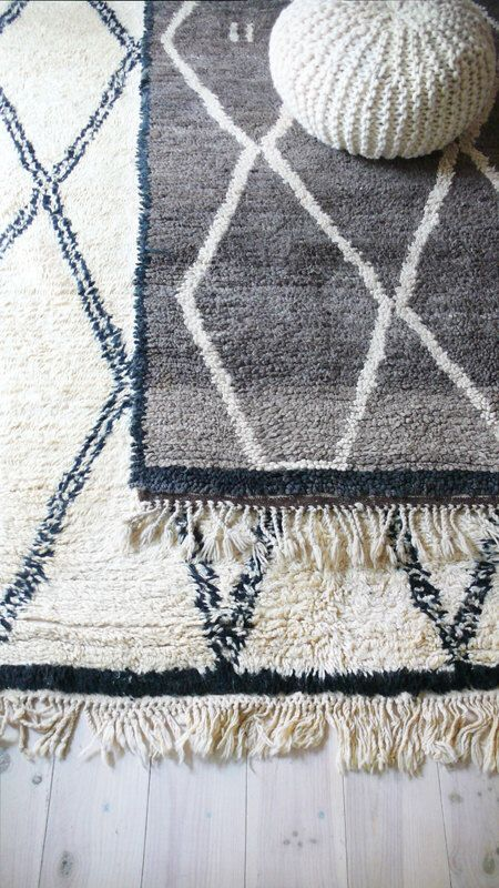 BENI OUARAIN Grey - Vintage Moroccan Wool Rug by lacasadecoto on Etsy https://www.etsy.com/listing/217572338/beni-ouarain-grey-vintage-moroccan-wool