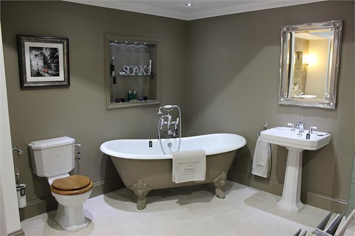 Newbury Traditional Back To Wall Roll Top Bath Suite At: Bath & Walls In Farrow & Ball Mouse's Back