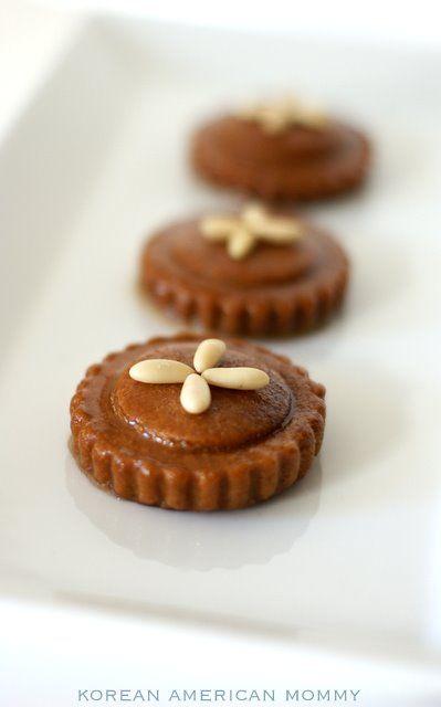 korean desserts | Korean American Mommy: Korean YakGwa, Fried Honey Cookie (약과)