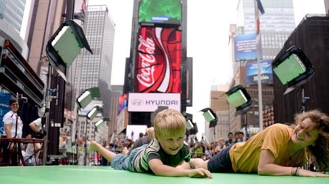 Daniel Canogar asalta Times Square