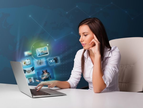 Работа в интернете: разновидности, преимущества и недостатки