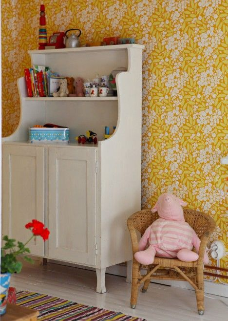 Would absolutely love a child sized welsh dresser like this
