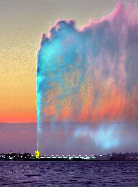Fountain at sunset - Jeddah, Saudi Arabia