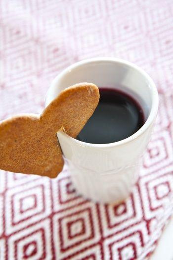 Liefdes koffie, dat moet de mens goed doen! Ik voel een koffie cupcake met liefde opkomen!