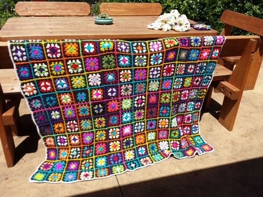 so happy with this blanket..... a real burst of colours