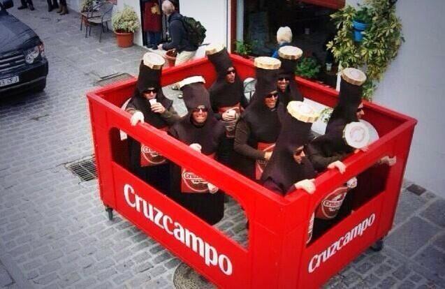 disfraz grupal en el carnaval de cdiz