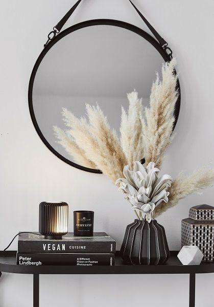 Wir lieben Interior! Deshalb haben wir unsere eigenen Möbel und Wohnaccessoires …   – Wohnaccessoires