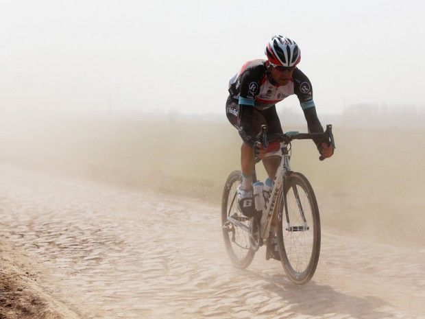 Stijn Devolder on the cobbles of Paris-Roubaix 2013