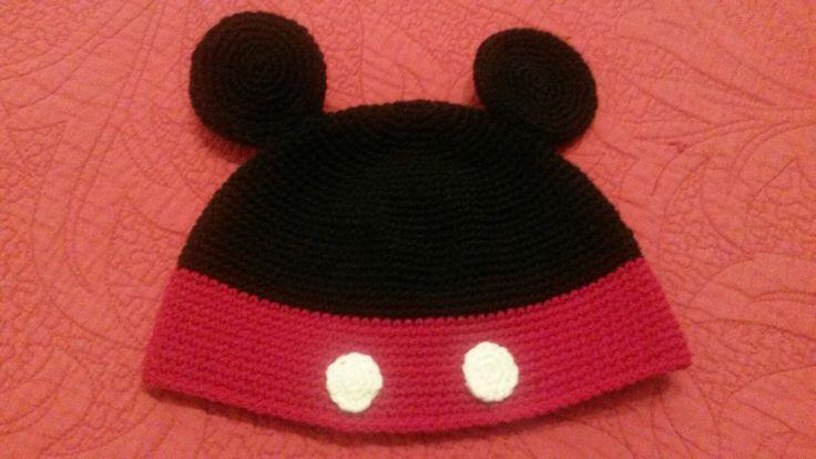 Mickey hat crochet