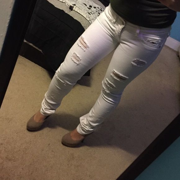 White ripped jeans from Hollister White ripped jeans purchased from Hollister. Size 00R w23. Hollister Pants Skinny