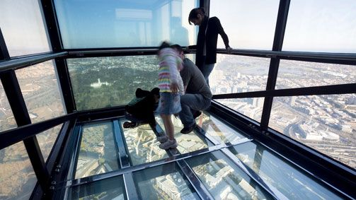 Eureka Skydeck The Edge, Melbourne, Victoria, Australia  Things to do in Melbourne  #australia #melbourne #monogramsvacation