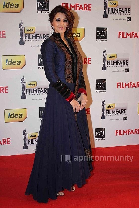 Sonali Bendre @ 58th Filmfare Awards 2013